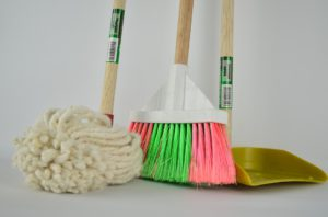 move cleaning tools image